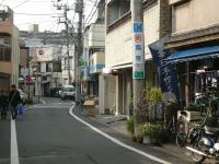 小川坂を中心に8店舗が営業しています