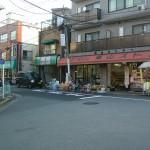 商店街の北側の店舗5店舗が営業しています